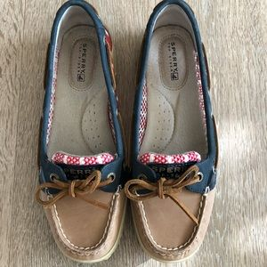 Mesh Sperry shoes